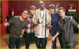 BIG TIME RUSH on Nickelodeon.BTR Christmas Episode. Photo: Robert Voets/Nickelodeon.©2010 Viacom, International, Inc. All Rights Reserved